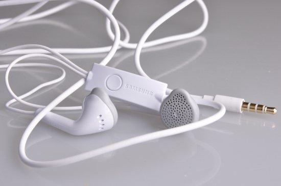 Original Samsung Galaxy J5 Headset In Ear Hands Free - White
