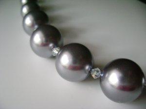 Elegant Metalic Gray Glass Pearls