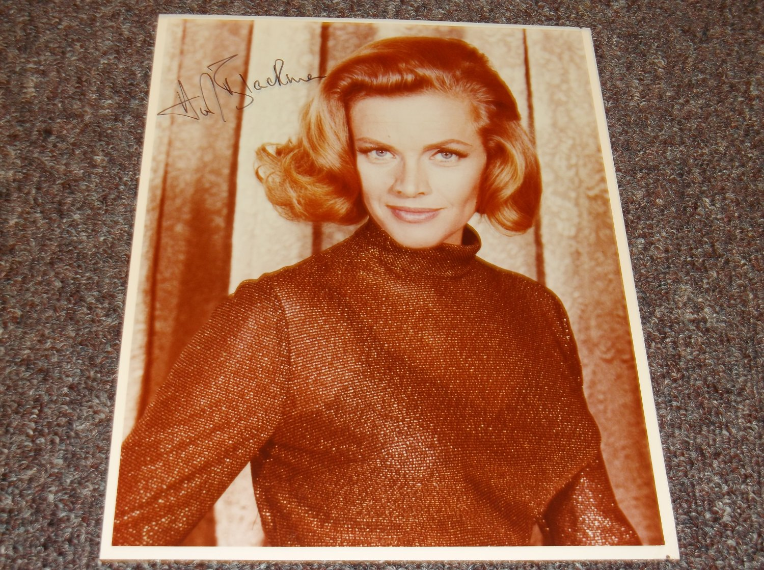 Honor Blackman signed 8x10 photo James Bond