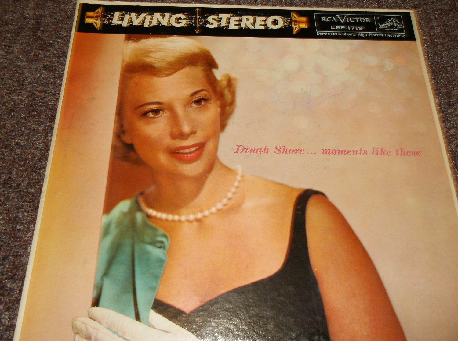 Dinah Shore (1916-94) signed 1958 LP cover