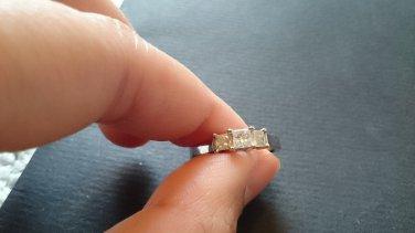 1/2 CT. T.W. Princess-Cut Diamond Three Stone Band in 14K White Gold