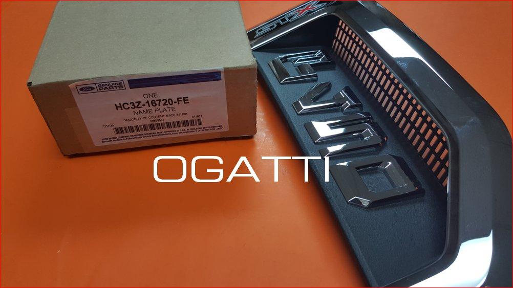 F450 STX VERSION BRAND NEW OEM RH PASSENGER SIDE SIDE FENDER 2017 HC3Z-16720-FE