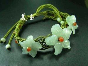 Noble chinese white jade flower stretch bracelet bangle