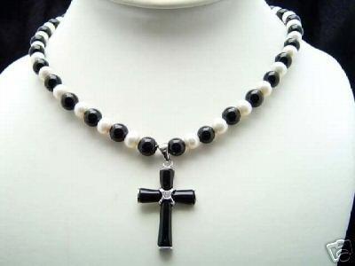 Stunning pearl jade pendant necklace