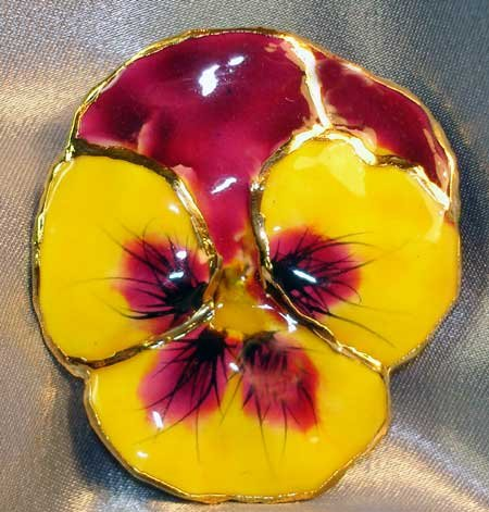 Lacquered and 24 karat gold-plated Real Pansy brooch-pendant hybrid