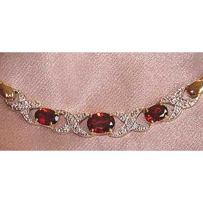 2.78ctw genuine Garnet & Diamond necklace