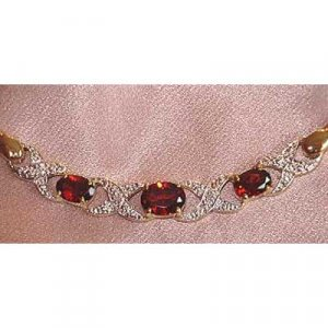 2.78ctw genuine Garnet & Diamond necklace