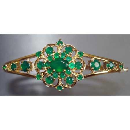 3.85 carats genuine emerald agate gold bangle