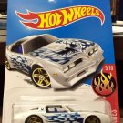 Hot Wheels '77 Pontiac Firebird T-Top Trans Am - white w/flames