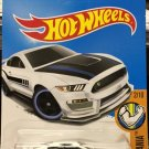 Hot Wheels Ford Shelby GT350R - Muscle Mania 2/10