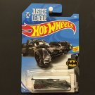Hot Wheels DC Justice League Batmobile - Batman - Track Stars