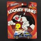 Hot Wheels LOONEY TUNES Sylvester & Tweety Dream Van Real Riders Metal