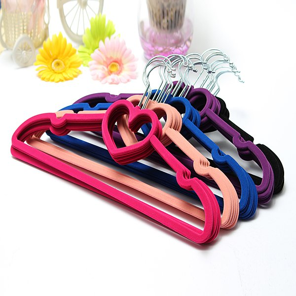 5pcs Velvet Non-Slip Heart Shaped Clothes Hanger