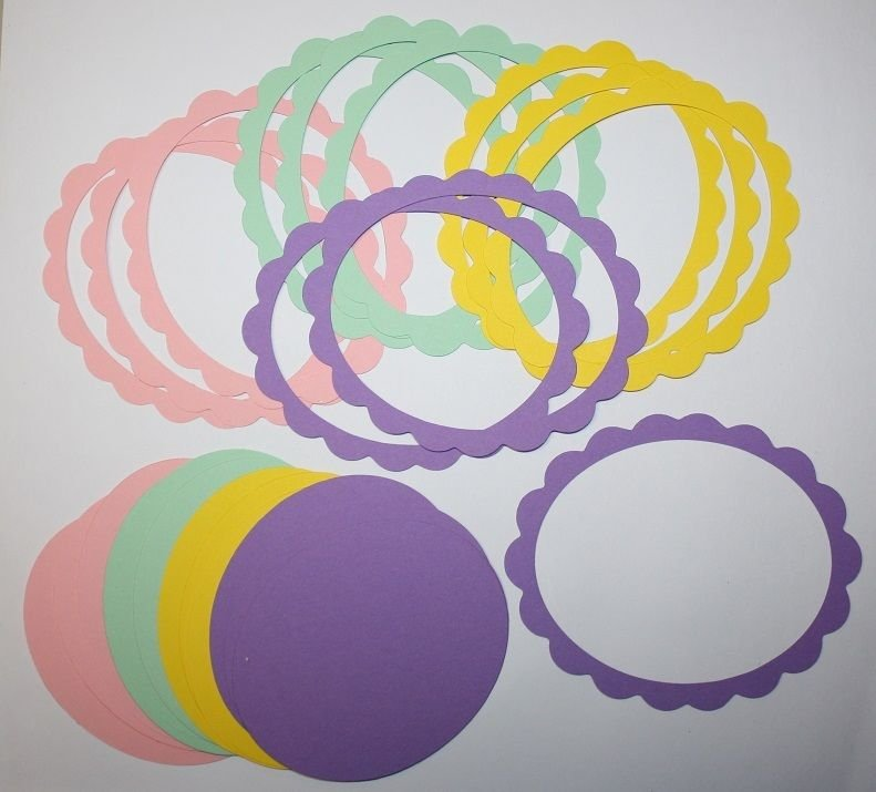 12 Scallop Oval Picture Frames/Die Cuts/Sizzix/Frames/Scrapbooking/Embellishments/Paper Cuts