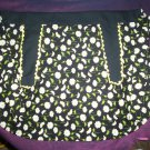 apron daisies on black