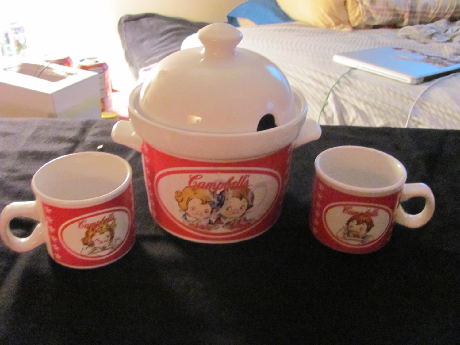 Campbells Soup Tureen and Two Mugs.