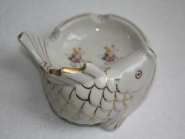 Gorgeous Vintage Fine Porcelain Ashtray Gold Fish Shaped Marked S.W. 1959 RARE
