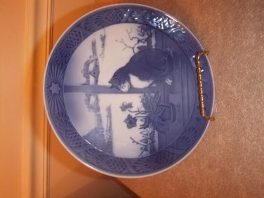 """Royal Copenhagen Collector Plate 1970  """"Christmas Rose and Cat"""""""