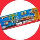Hot Wheels Tricks Tracks SMASH ROAD + Car + 2010 Collector Playset Boys Gift 4+