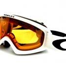 Oakley Goggles OO 7048 02 XS Snow 59-095 White with orange lenses persimmon