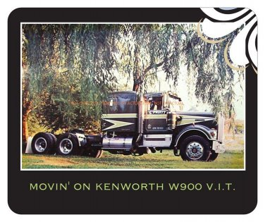 Movin' On Kenworth W900 in the country scene Mouse Pad