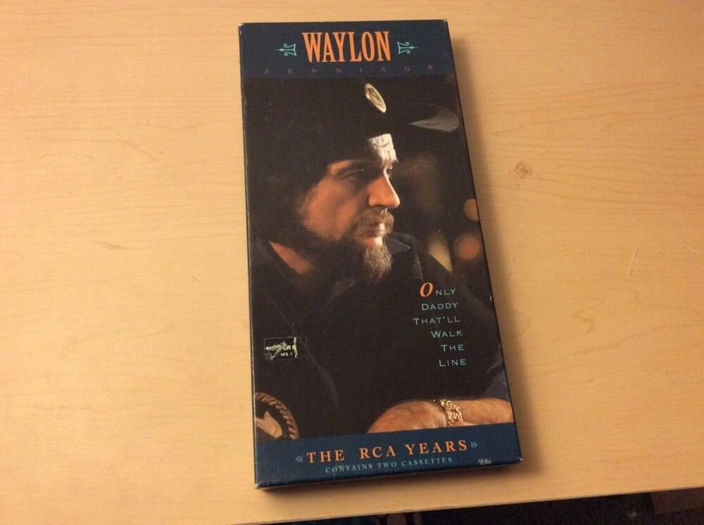 WAYLON JENNINGS Only Daddy That'll Walk the Line RCA Year contains two cassettes