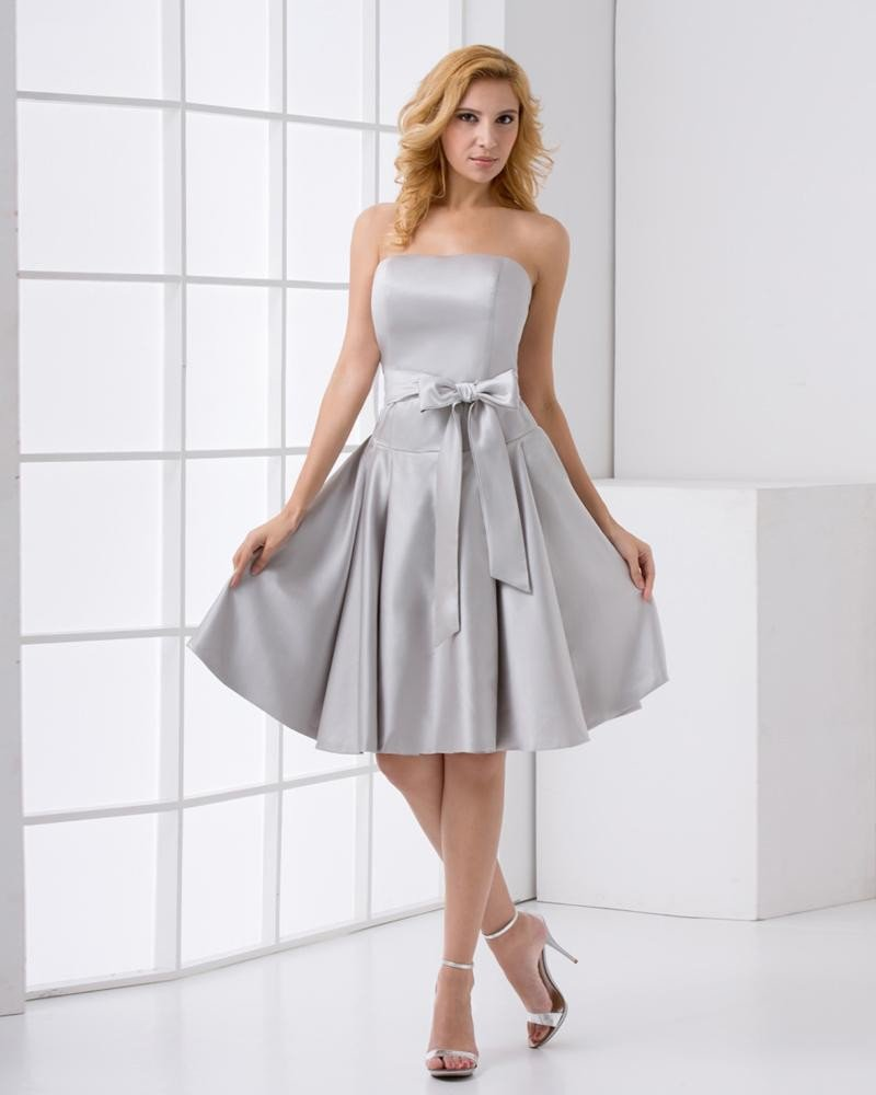 Strapless Neckline Sleeveless Thigh Length Bowknot Satin Woman Bridesmaids Dresses