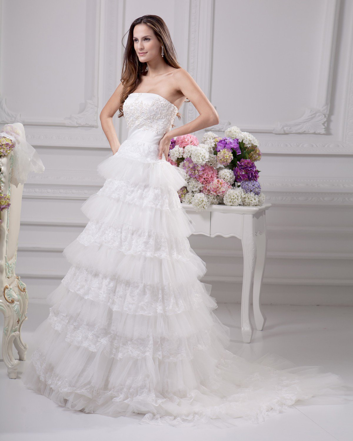 Elegant Applique Beading Ruffles Strapless Floor Length Satin Yarn Lace Ball Gown Wedding Dress