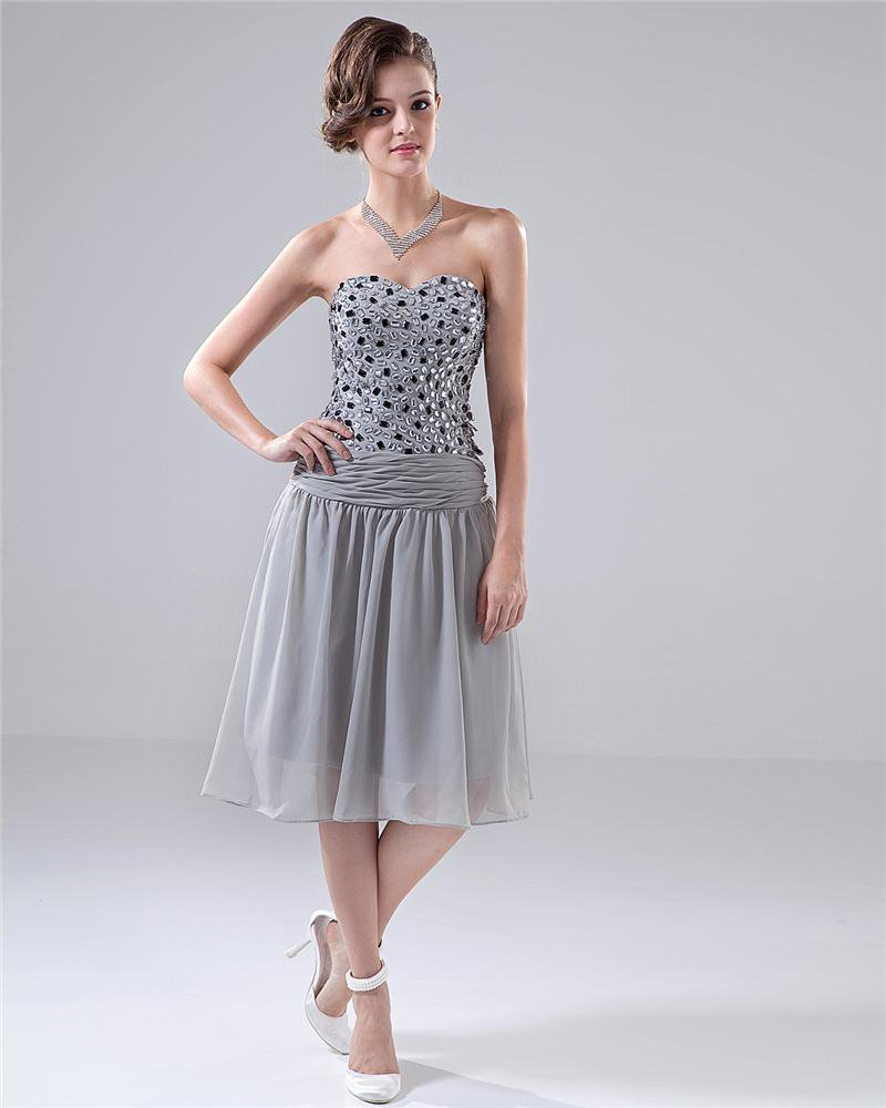 Sweetheart Ruffle Beading Knee Length Chiffon Cocktail Dress