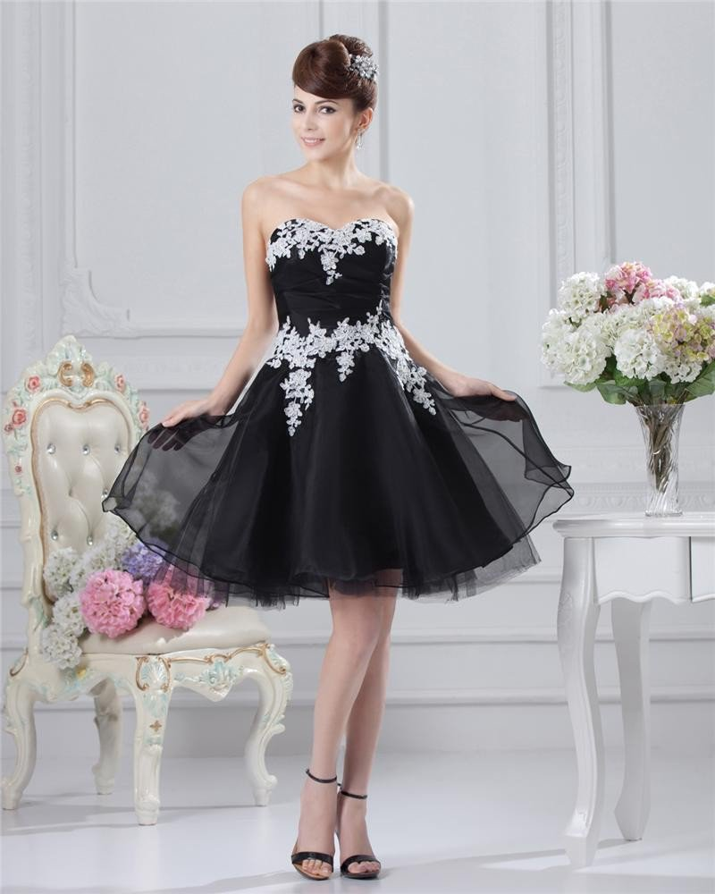 Chiffon Applique Sweetheart Knee Length Cocktail Dress