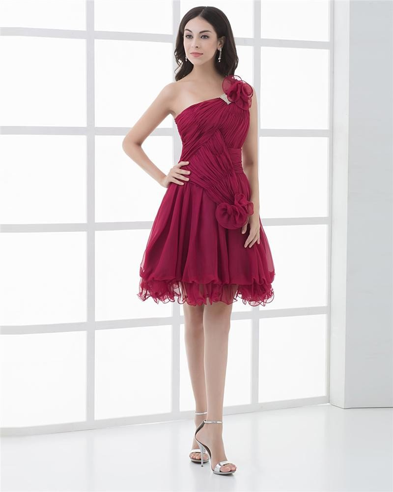 Fashion Chiffon Pleated Flower One Shoulder Knee Length Graduation Dress