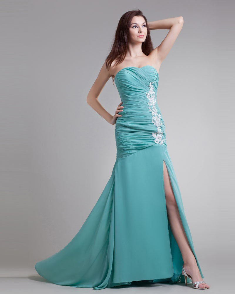 Chiffon Beading Embroidered Sweetheart Court Train Pleated Prom Dress