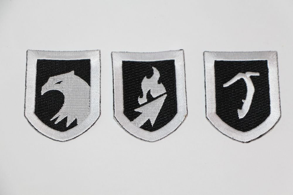 Tomb Raider SURVIVAL COLLECTORS EDITION IRON-ON BADGES/PATCHES Ships Same Day