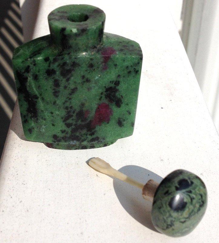 Crystal gem Healing Ruby Zoisite Gemstone snuff Bottle Magick Potion Perfume Oil stone Vessel