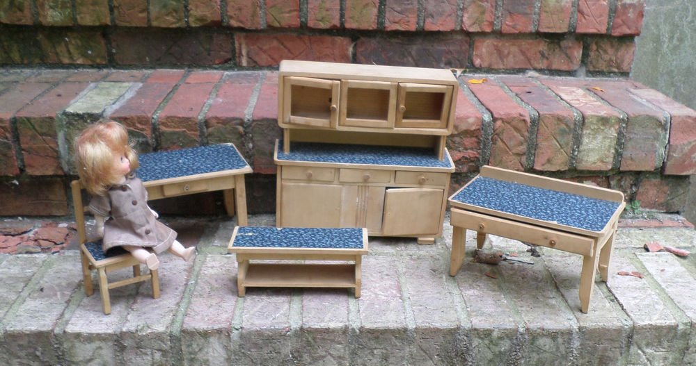 DOLL FURNITURE 5 PIECES ALL WOOD MADE IN GERMANY FITS GINNY