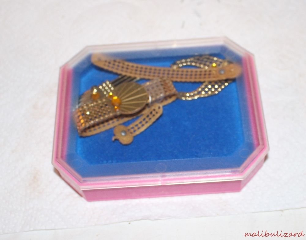 VINTAGE BARBIE JEWEL SECRETS THE GOLD  COLLECTION BOX AND JEWELS