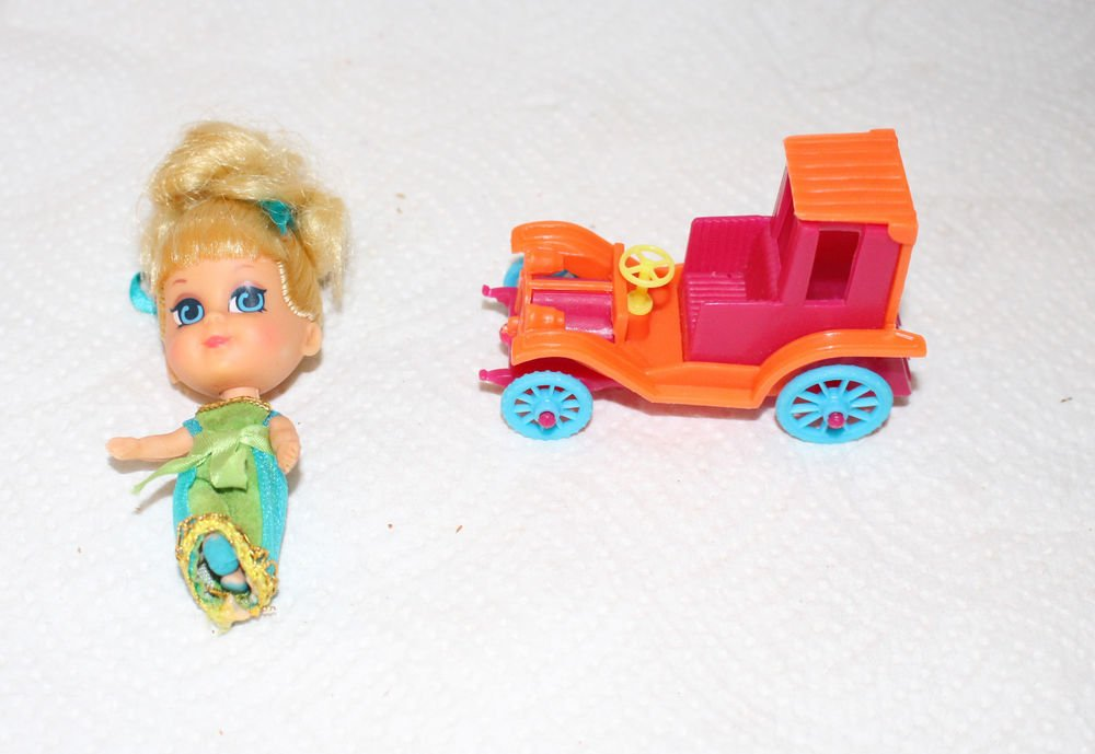 VINTAGE LENORE LIMOUSINE KIDDLE DOLL AND ANTIQUE STYLE CAR 1643 1969-70