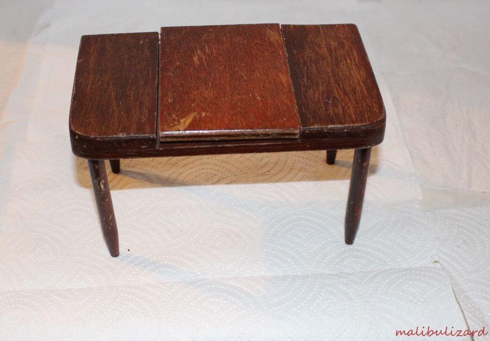 "Vintage 1950s Hall's Furniture Dressing Table for 8"" Dolls"