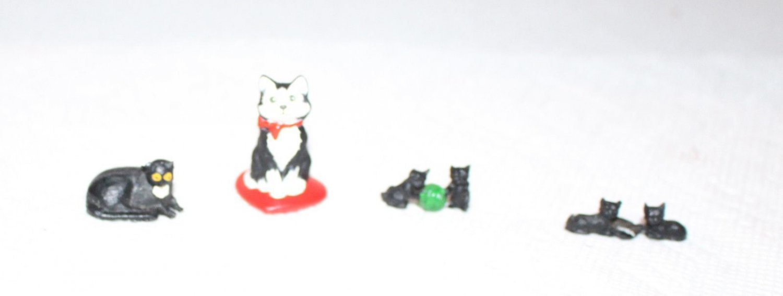 Dollhouse Miniatures Cats