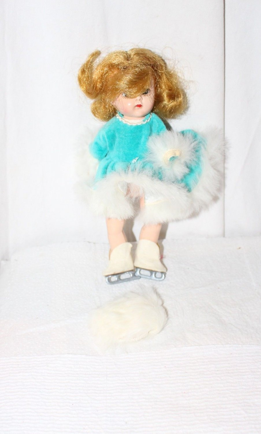 VINTAGE TAGGED COSMOPOLITAN GINGER BLUE SKATING OUTFIT FUR TRIM MUFF FITS GINNY