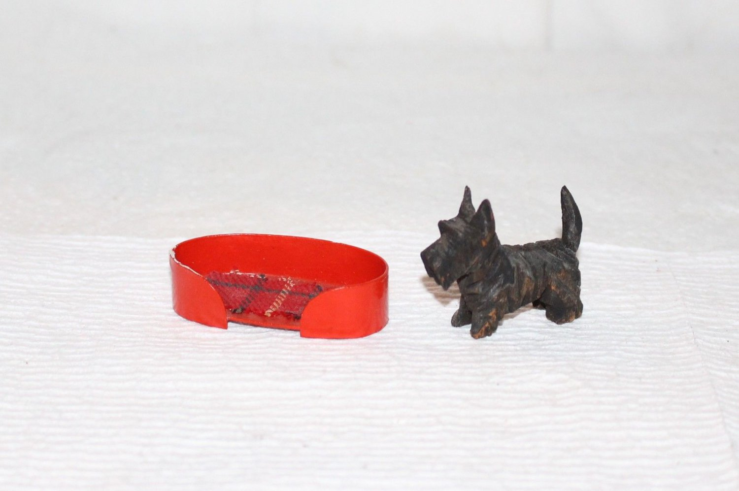 VINTAGE MINIATURE DOLL SIZE DOG BED RED PLAID + SCOTTY DOG
