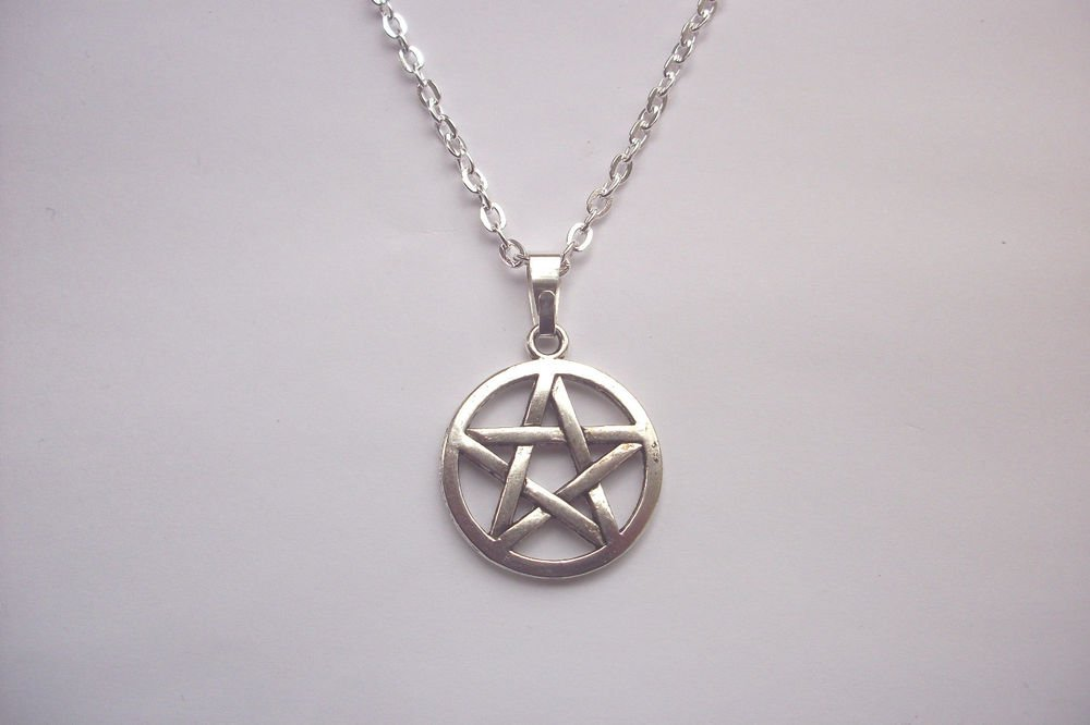 Pentagram Silver Tone Pendant and Chain Necklace