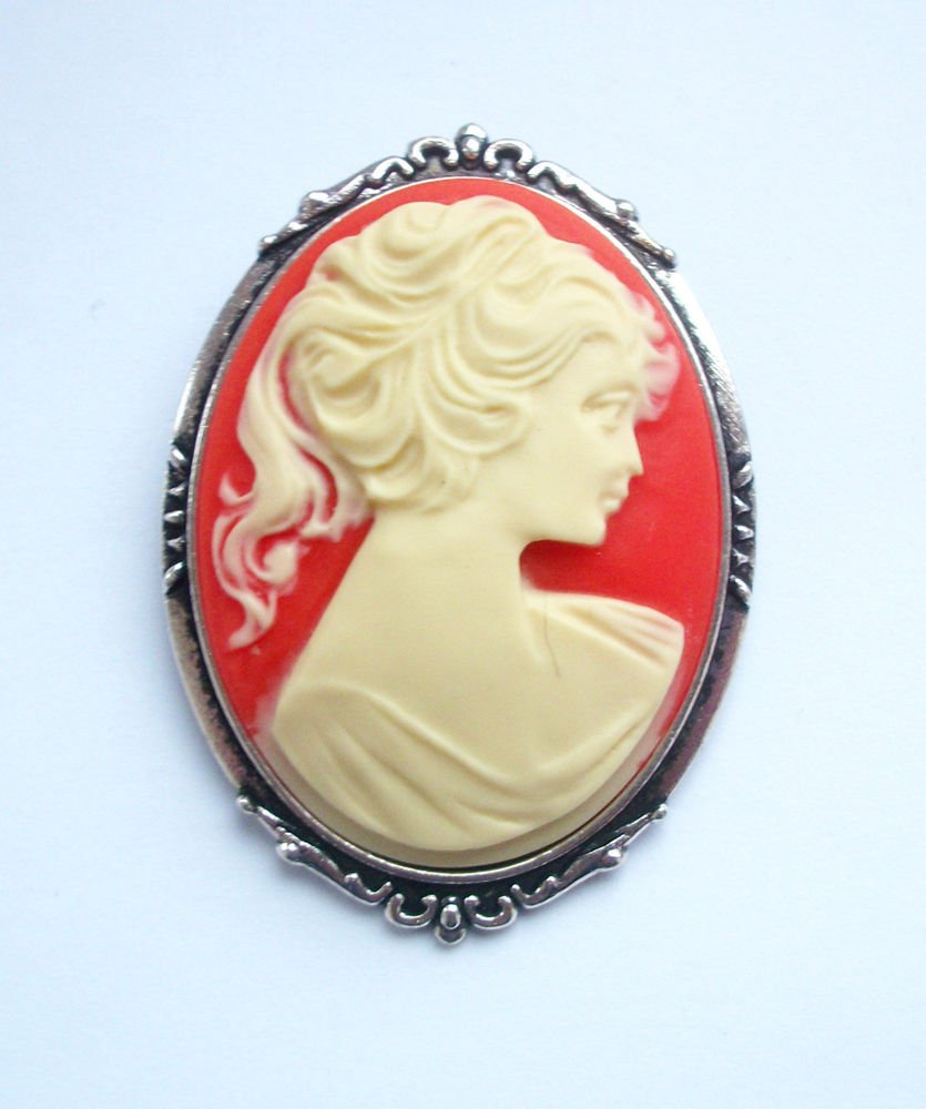 Vintage Lady Cameo Brooch Carnelian Colour