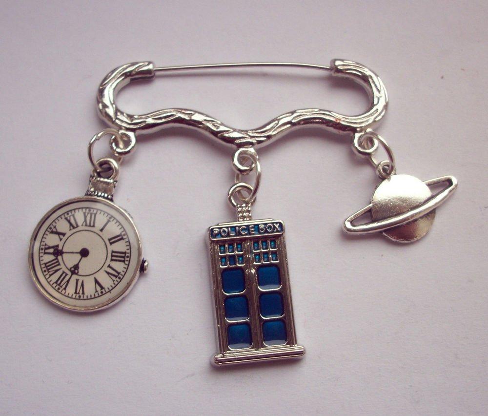 Dr Who Tardis Themed Brooch Pin