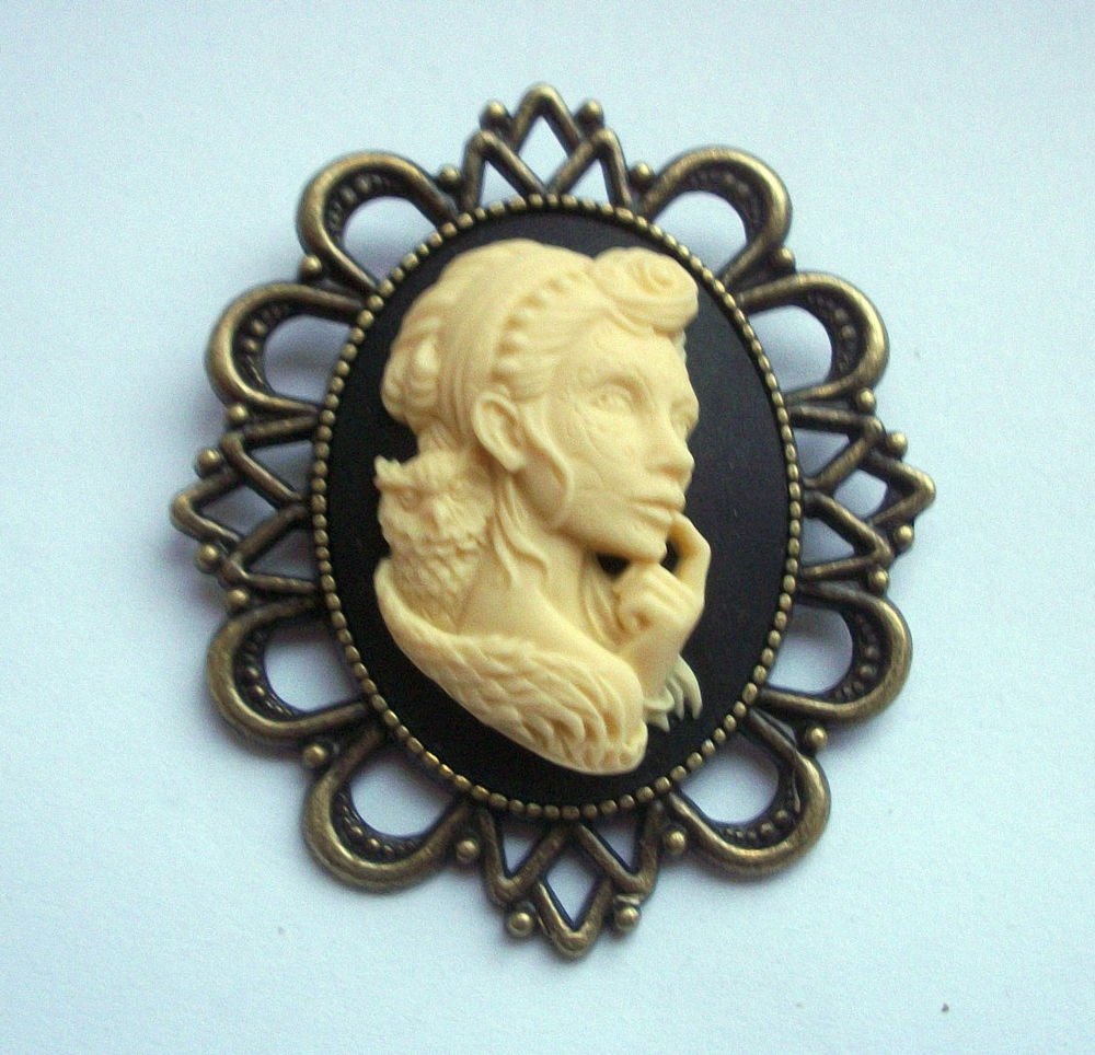 Day of Dead Girl Zombie Cameo in Antiqued Bronze Tone Brooch 60mm