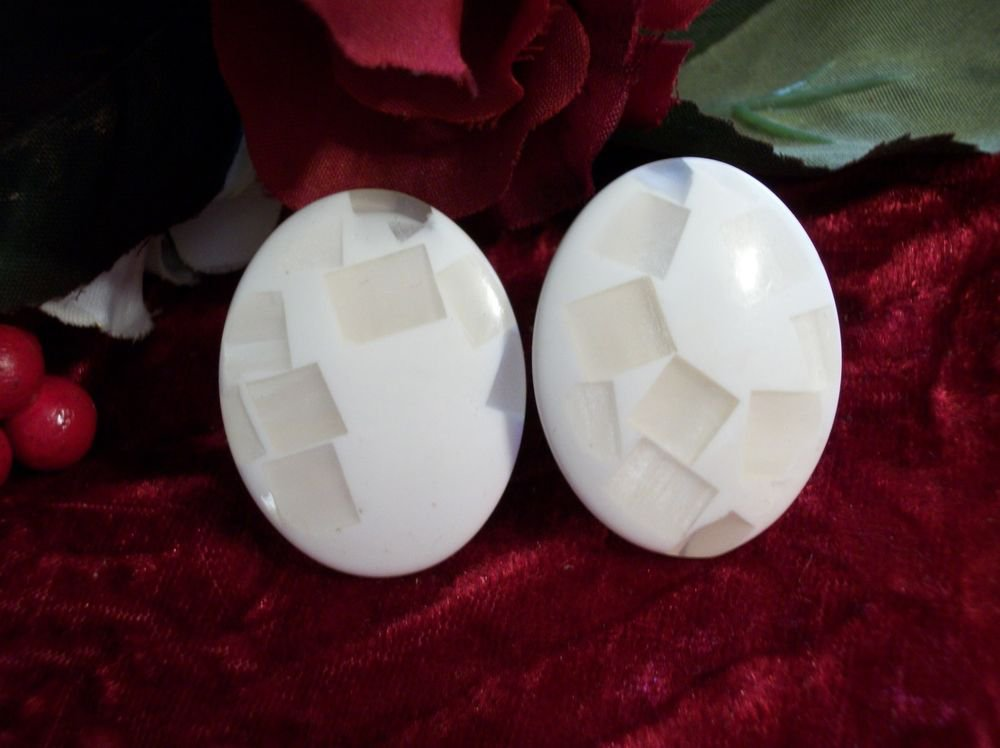 Earrings White Oval Big Lightweight Comfortable Clip-On VTG 80's Fashion Jeweley