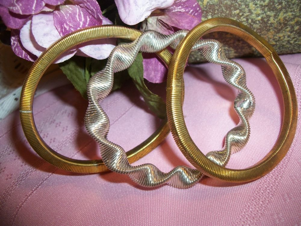 Stretchy Coiled Wire Slinky Slip-On Bangle Bracelets Set of 3 Vintage 1960's