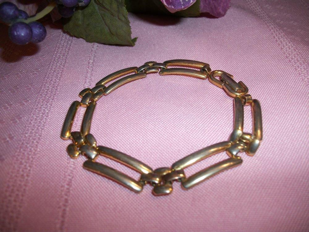 Women's Bracelet VTG Signed Monet Costume Jewelry Gold Panther Link Geometric