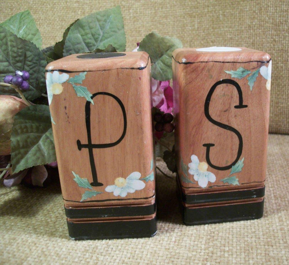 Salt and Pepper Shakers VTG 1950's Wood Block White Daisy Flowers Transferware