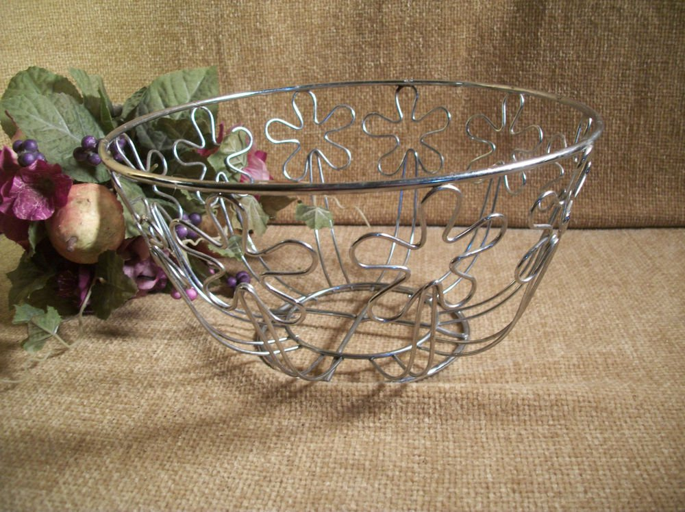 Metal Wire Kitchen Basket Silver Fruit Bowl Mod Flowers Vintage 1970's Container